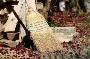 ゴミ屋敷の掃除と片付けの前に注意したいポイント